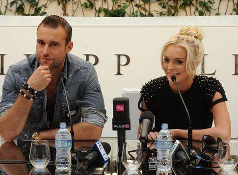 Lindsay alla conferenza stampa di Plein