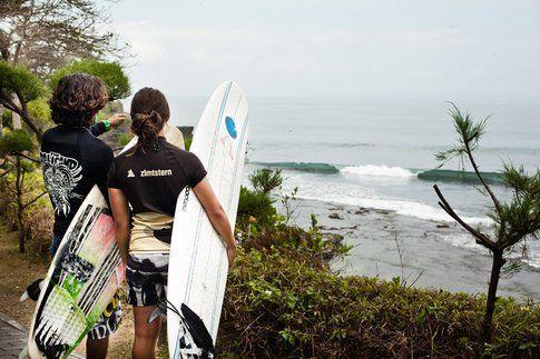 Klaudia Medlova con l'istruttore di Bali camp