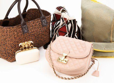Alcune delle borse che verranno messe all'asta