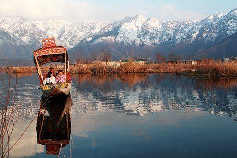 Paesaggi mozzafiato a Dal Lake vicino a Srinagar