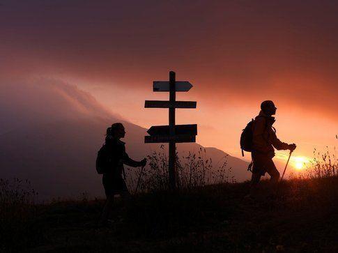 Trekking al tramonto. Foto di Bebvillalucciola.it