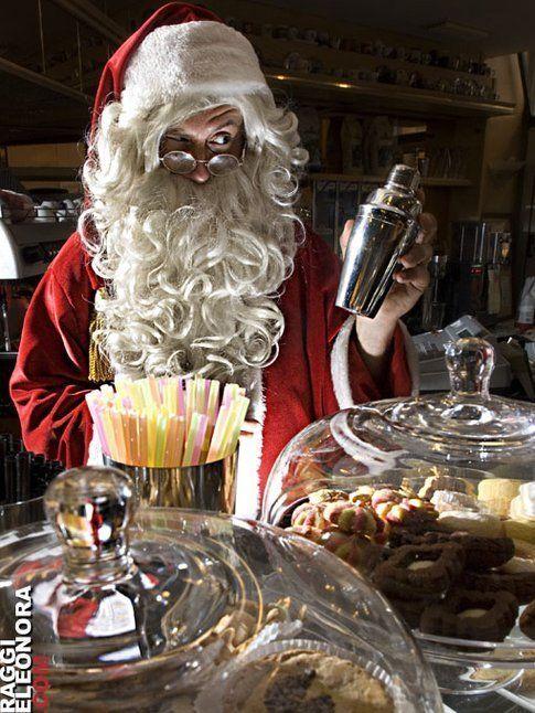 Babbo Natale potrebbe prepararmi un drink per la vigilia!