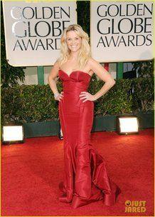 Il vestito ingrassa troppo, nonostante Reese sia magrissima!