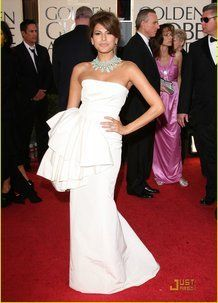 Bianco chic: adoro il taglio del vestito!