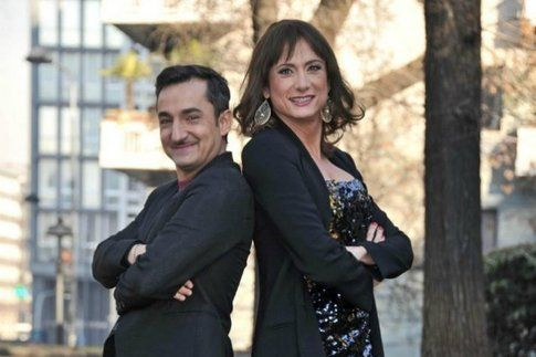 I conduttori Savino e Luxuria per l'Isola dei Famosi 2012