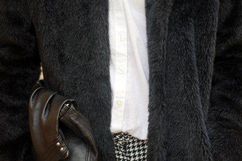 Borsa, pantaloni e camicia di H&M