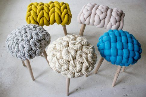 Knit Stools di Claire-Anne O'Brien