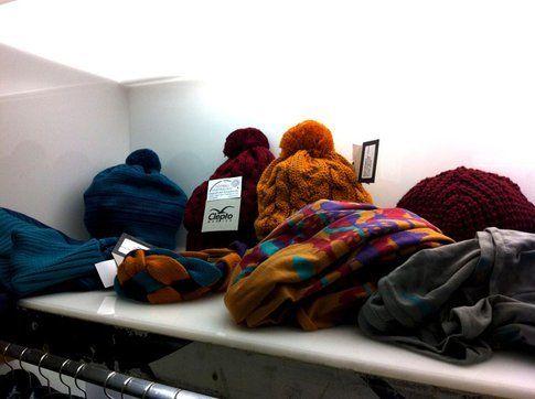 Inverno e temperature rigide, meglio entrare in qualche negozio