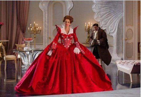 Gli abiti principeschi di Julia Roberts