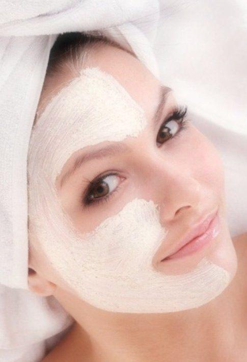 applicazione maschera viso