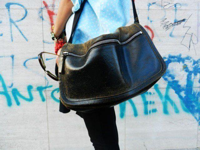 Le maxi bag sono di solito troppo pesanti