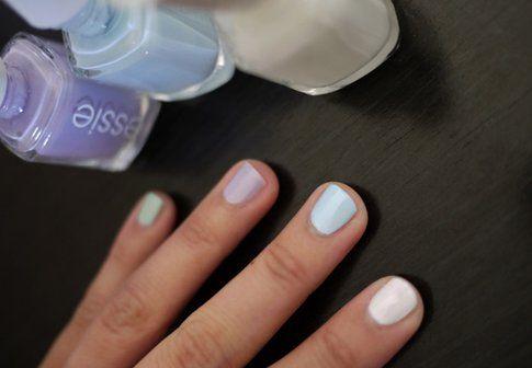 Primo passaggio: dipingi le tue unghie