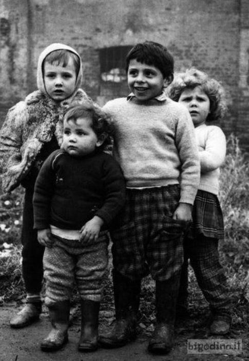 Bambini al Bosco ex Parmigiano, Cremona 1962