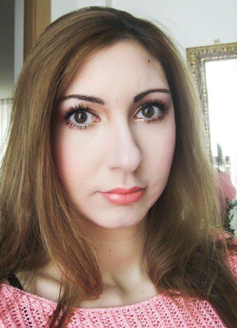 Il look completo: occhi in risalto e labbra naturali