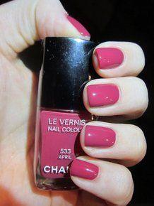 LE VERNIS n° 533 April, un elegante rosso lampone
