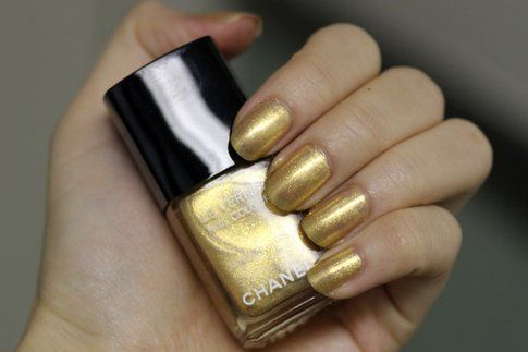Gold Fingers - Chanel