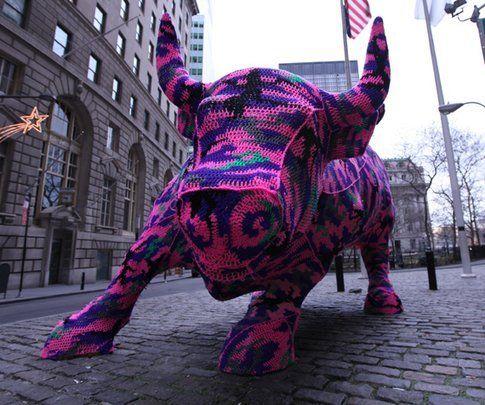 Wall Street Bull di Agata Olek