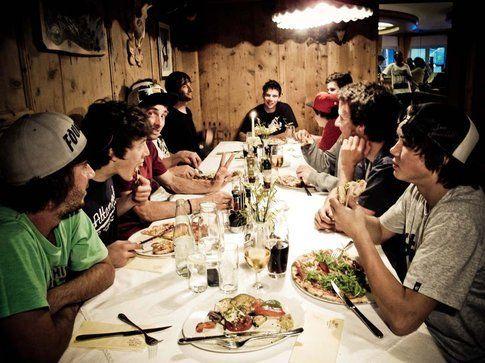 Break in pizzeria con i ragazzi
