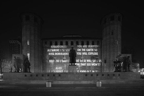 Jenny Holzer - Truisms, Torino 2003