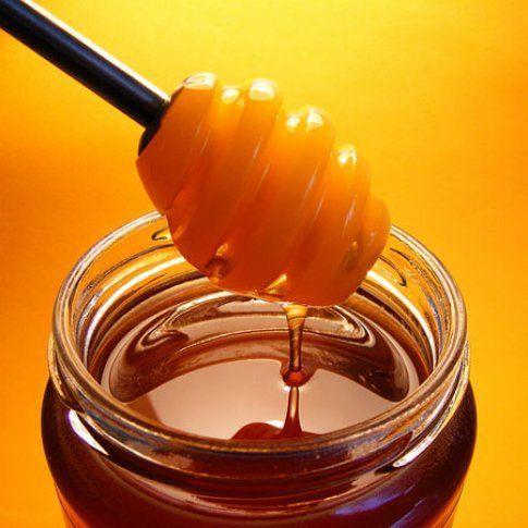 Rimedia con il miele e bicarbonato