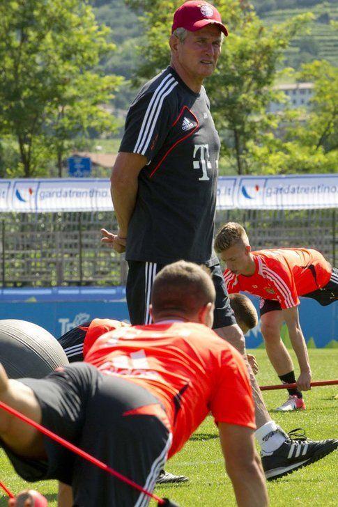 L'allenatore Josef Heynckes