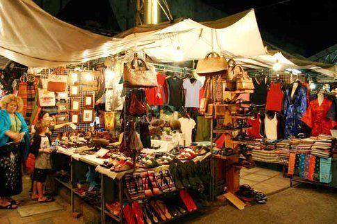 un mercatino vintage