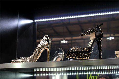 Un modello di calzatura di Philippe Plein