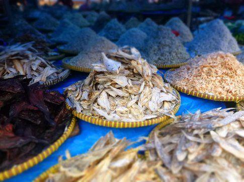 Pesce secco al mercato di Sidikalang
