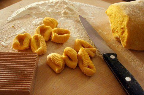 preparazione gnocchi di zucca e patate