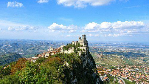 Cosa vedere a San Marino: le torri Guaita, Cesta e Montale