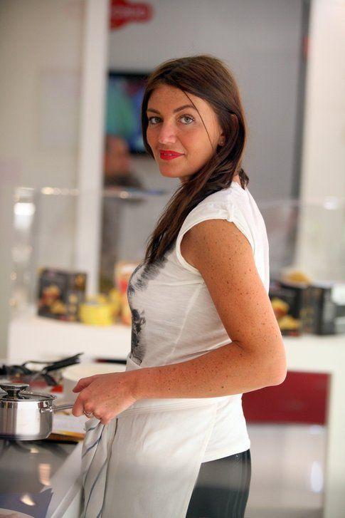 Chiara ai fornelli (foto di Nicola de Luigi)