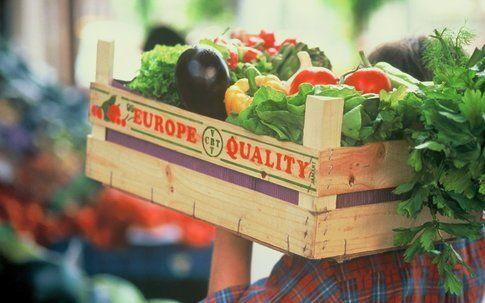 cassette della frutta con prodotti biologici