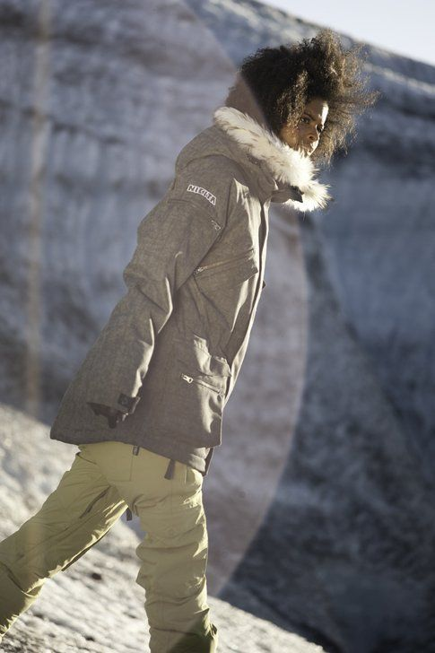 Gabi nella bellissina giacca Nikita Lookout a 329€