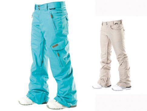 Pantaloni DC Shoes a sinistra il modello Verve a 199€, a destra il modello Ace S a 175€