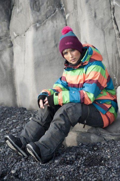 Heida indossa giacca tecnica Nikita Meron a 249,00 € e pantaloni Ozark 229,00 €