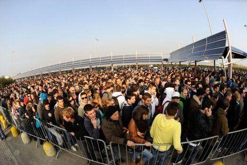 La fila all'entrata di Modena Fiere il primo giorno!