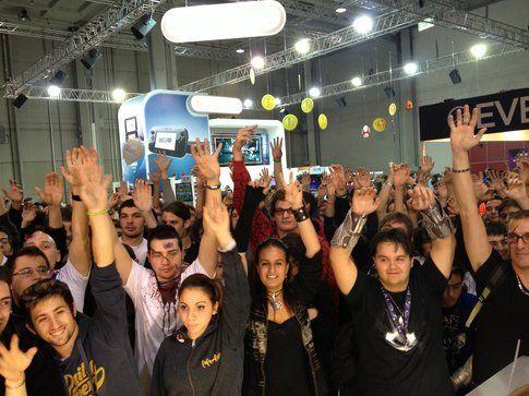 Una folla indiavolata allo stand di Multiplayer.it
