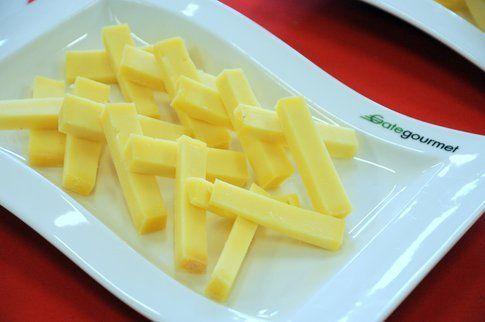 assaggio di formaggio svizzero