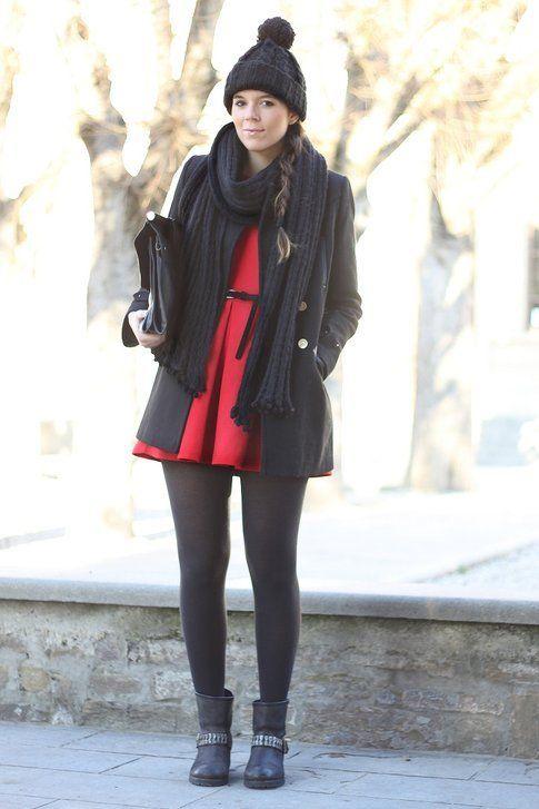 Un vestitino rosso e tanta lana