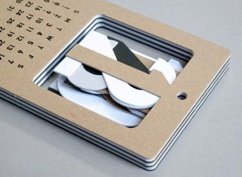 Cut Out Number Calendar di Present & Correct
