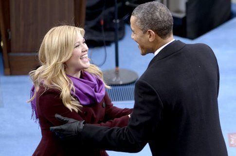 Kelly Clarkson e Barack Obama - foto via Billboard.com