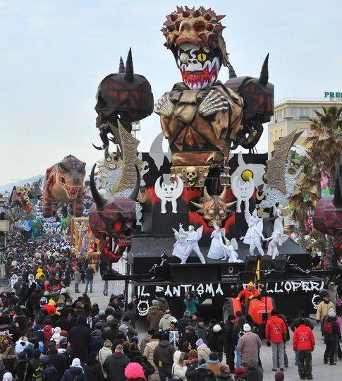 Courtesy of il Carnevale di Viareggio