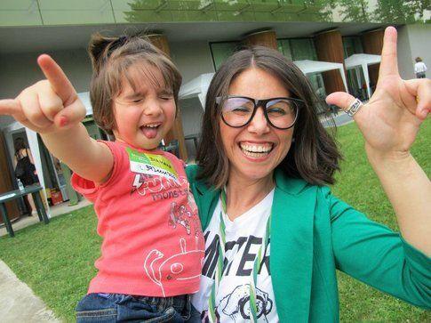 Domitilla con sua figlia (foto di Alessandra Marzatico)
