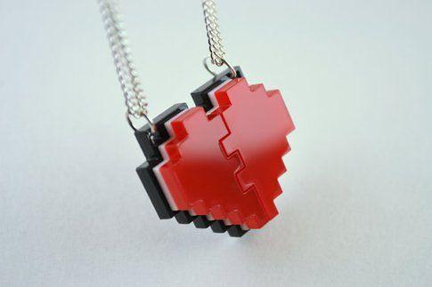 Pixel Heart Friendship Necklace - Fonte: Etsy.com