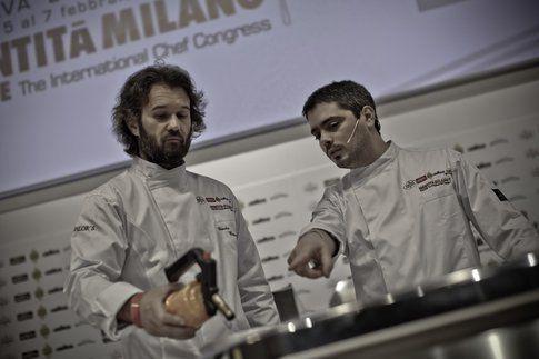 Carlo Cracco e Matteo Baronetto durante Identità Golose
