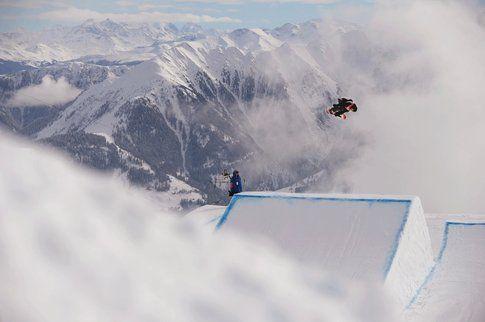 L'inglese Jamie Nichollss durante la finale slopestyle
