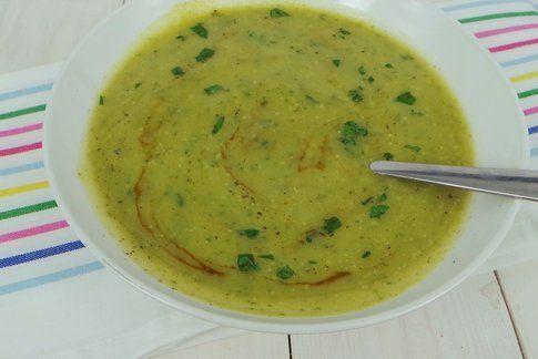 piatto di vellutata di zucchine