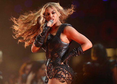 Beyonce al Superbowl -ph. Christopher Polk/Getty Images via Mashable.com