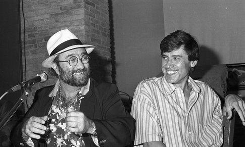 Lucio Dalla e l'amico Gianni Morandi - foto da mauxa