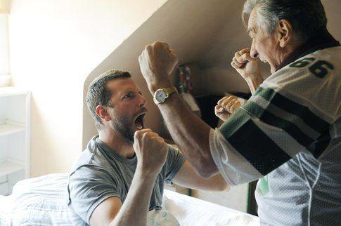 Il regista da indicazioni a Bradley Cooper - foto da hopoeliesat